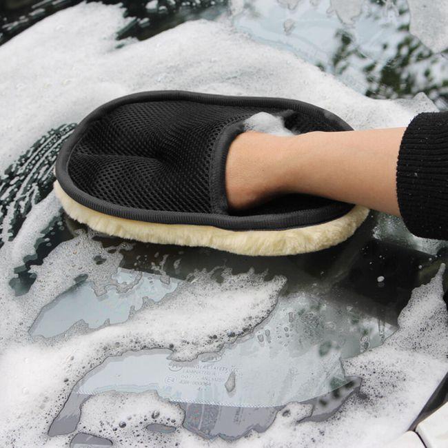 Praktický pomocník na mytí auta 1