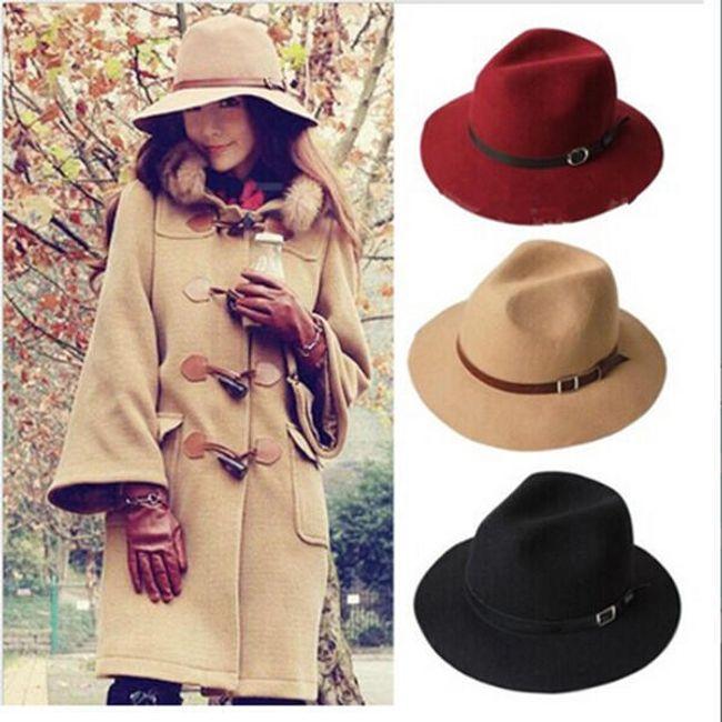 Женская осенняя шляпа с ремешком 1