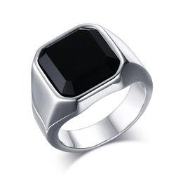 Pánský prsten s černým kamenem