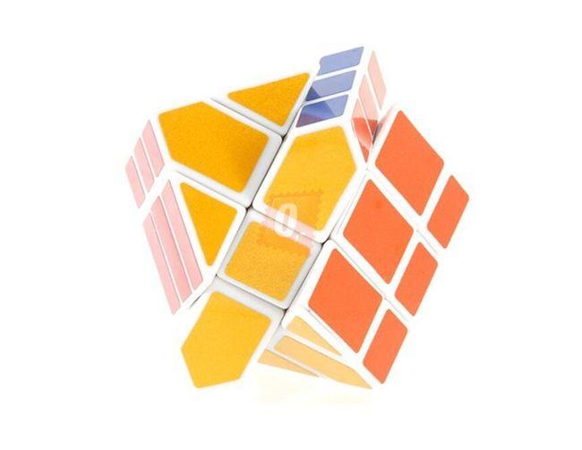Rubikova kostka - nepravidelná, uhlopříčná 1