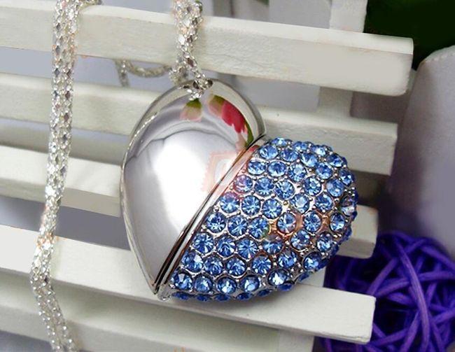 4GB Flashdisk - přívěsek srdce (modré) 1
