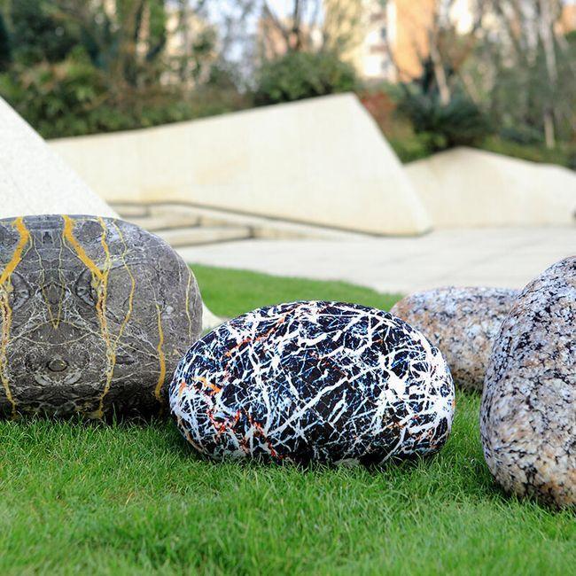 Pernă 3D sub formă de piatră - 3 variante 1