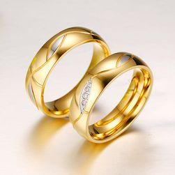 Zaručnički prsten zlatne boje