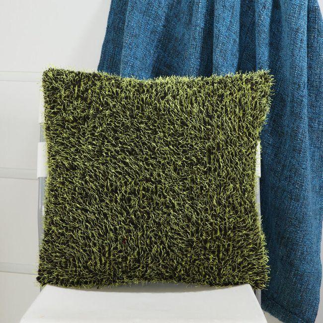 Huňatý povlak na polštář 45 x 45 cm 1