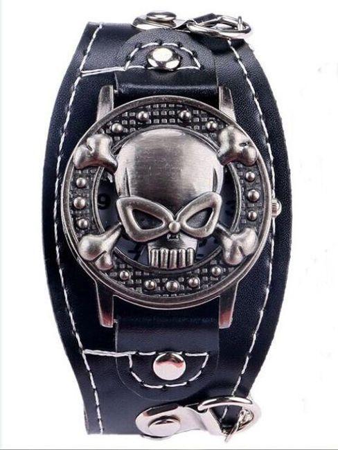 Odklápěcí hodinky s lebkou 1