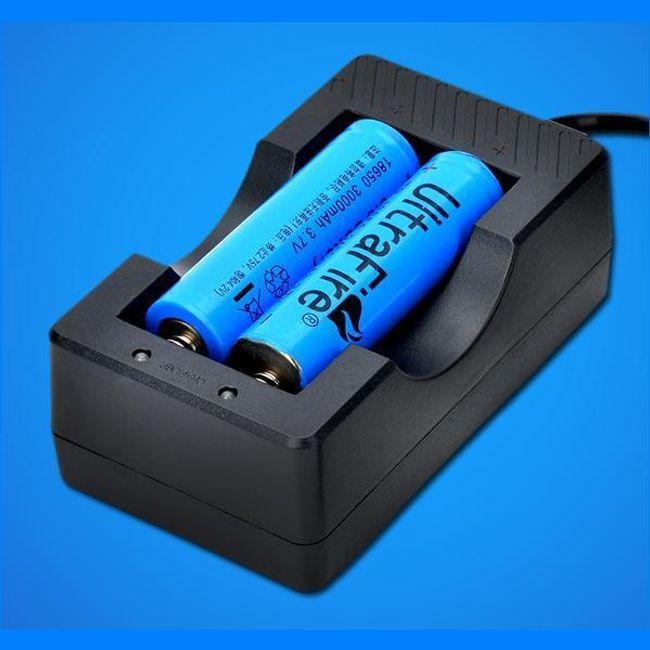 Nabíječka na 2 ks AA baterií 1