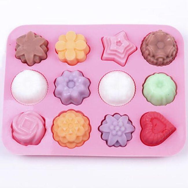 Szilikon öntőforma jég és édességek számára - 12 különböző nyílás 1