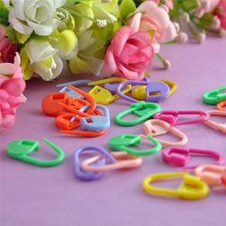 Opakowanie kolorowych plastikowych kłódeczek
