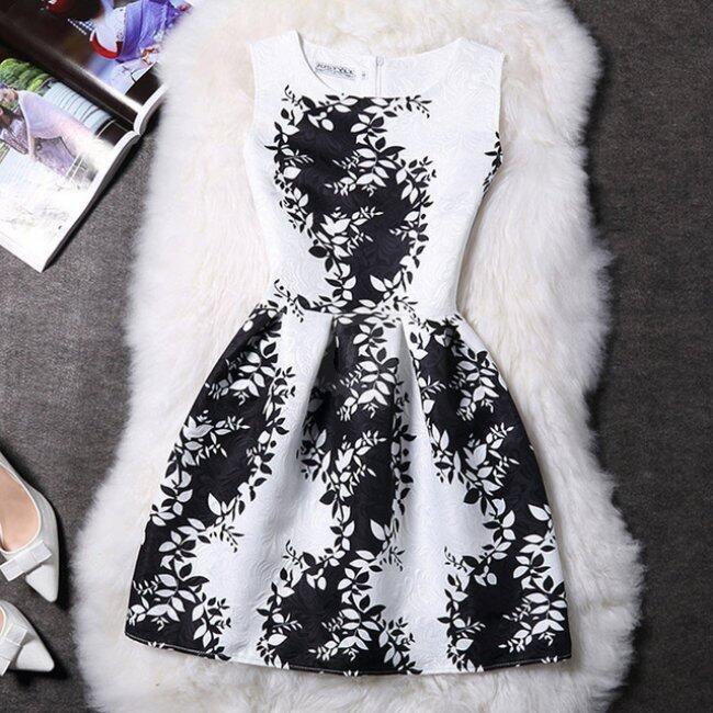 Elegantní šaty s originálními motivy - Varianta 19 - Velikost 2 1