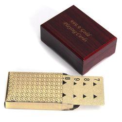 Játékkártyák egy luxus dobozban
