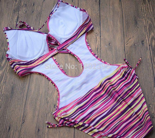 Egy darabból álló csíkos fürdőruha - méret: 2-5