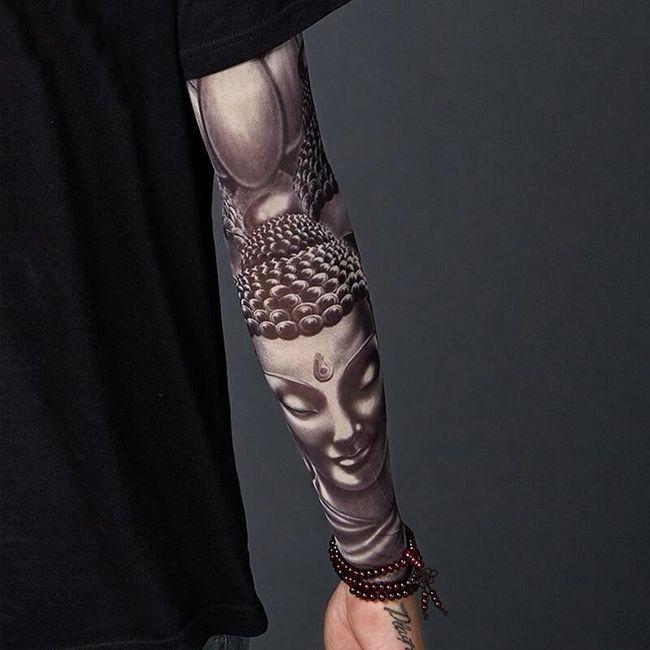 Rękaw z tatuażem Malachi 1