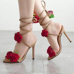 Cipele na petu Cynzia
