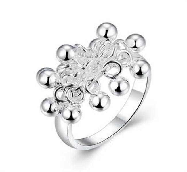 Prsten s kuličkami 1