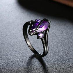Crni prsten sa kamenčićem u boji