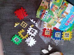 Puzzle są z bardzo słabego plastiku. Otrzymałam... (Obrazek do recenzji)