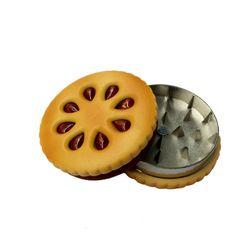 Tocător de tutun și ierburi în design de biscuiți