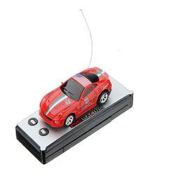 Mașinuță cu telecomandă