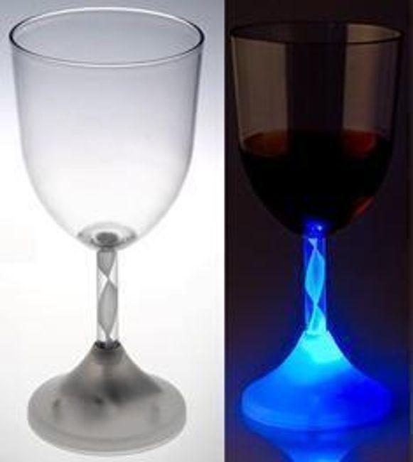 Podsvícená LED sklenička na víno 1