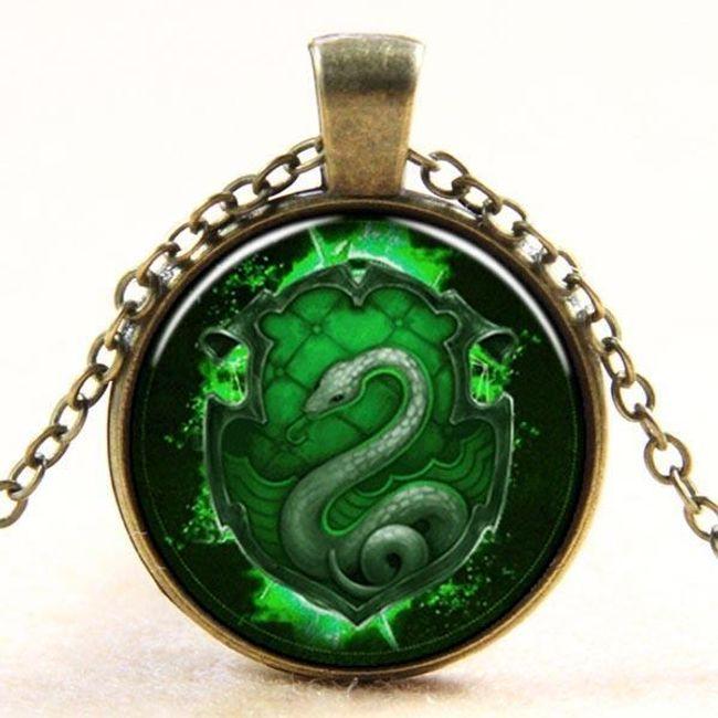 Vintage náhrdelník s přívěskem v motivu hada - stříbrný 1