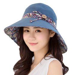 Дамска шапка AK109