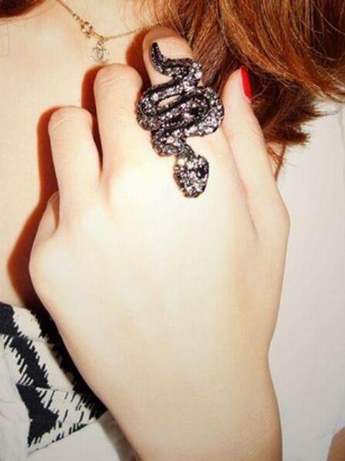 Luksusowy pierścionek z wężem 1