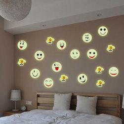 Светещ стикер за стена в дизайн на емотикон
