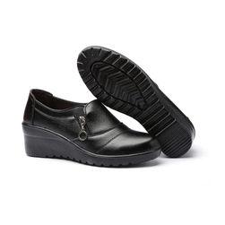 Pantofi cu talpă înaltă pentru femei