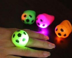 LED prsten v podobě fotbalového míče