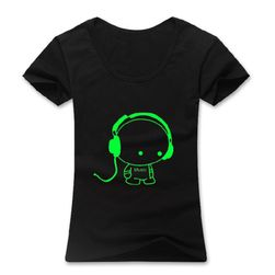 Černé tričko s fosforeskujícím panáčkem