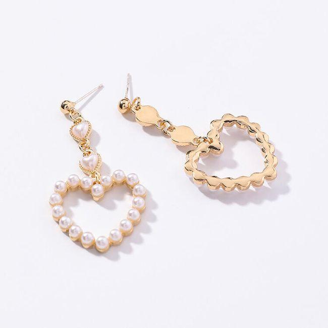 Romantické náušnice z perliček ve tvaru srdíčka 1