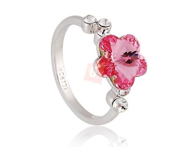 Prstýnek s růžovou květinou dozdobený kamínky - stříbrná barva 1