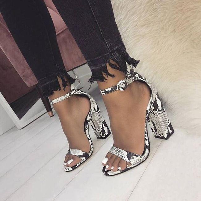 Дамски сандали на токче Calandre 1