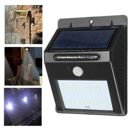 Zewnętrzna lampa LED z czujnikiem ruchu