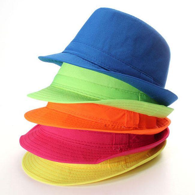 Летняя шляпа ярких расцветок 1