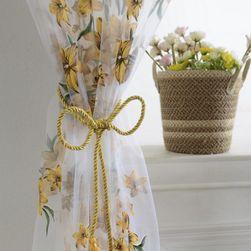Zasłona w kwiaty na okno