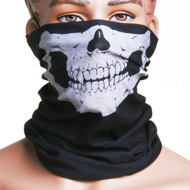 Multifunkcionális fekete kendő koponyával 1