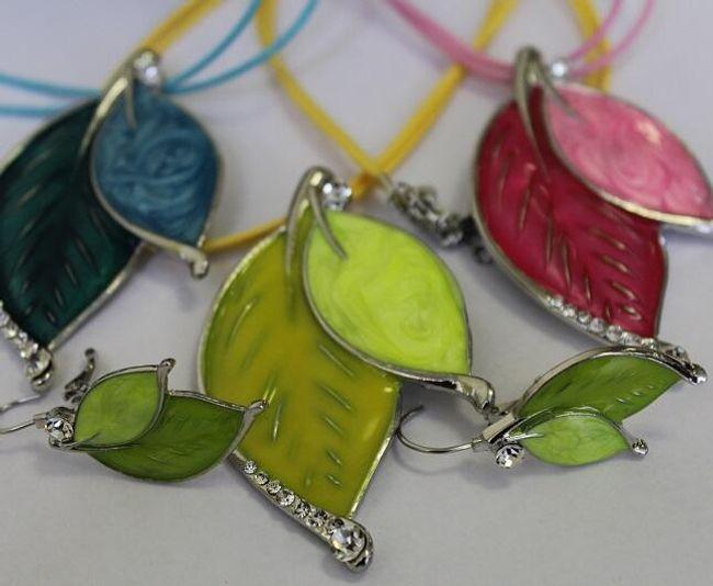 Set de colier și cercei în formă de frunze 1