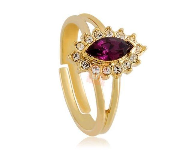 Prstýnek s oválným rudým kamenem - zlatá barva 1