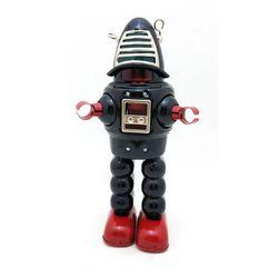 Nostalgiczna zabawka - vintage robot na kluczyk