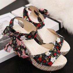 Dámske sandále na kline Noemi