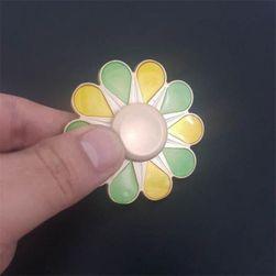 Kovový fidget spinner ve tvaru květiny