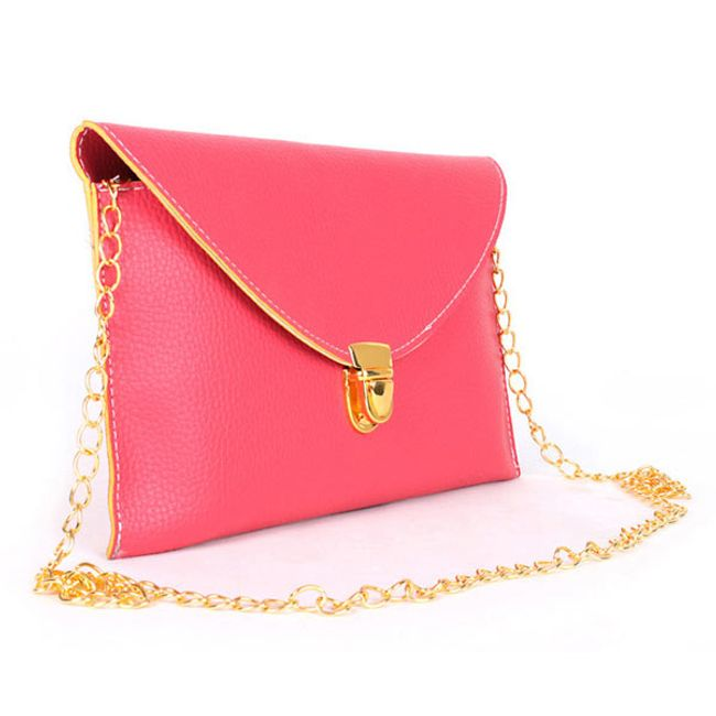 Женская сумочка в разных цветах с золотым креплением 1