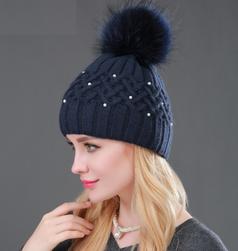 Ženska pletena kapa