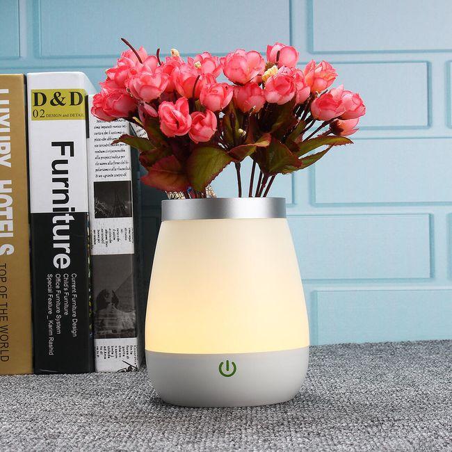 Váza LED osvětlená 1