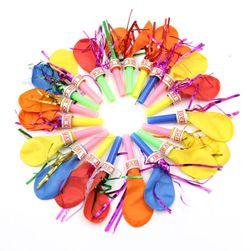Set barevných balónků s píšťalkou