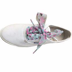 Широкие атласные шнурки с цветочками