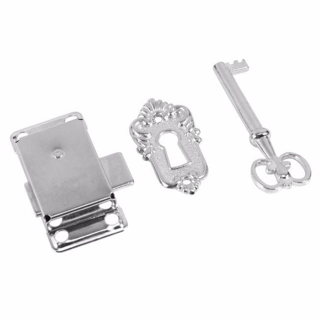 Ključavnica s ključem za pohištvo - starinska 1