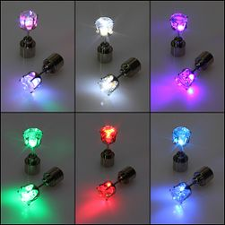 Migający LED kolczyk na imprezę w 6 kolorach  - 1 sztuka