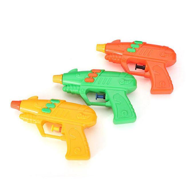 Plastová pistolka pro vodní hrátky 1